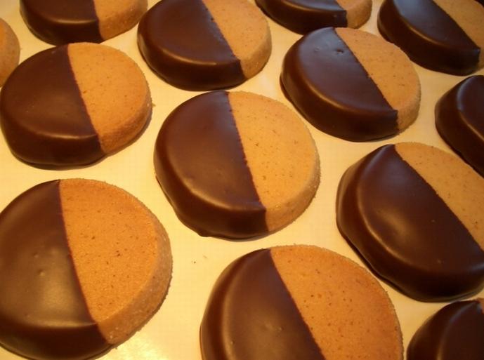 サブレパリジャンダークチョコレートコーティング