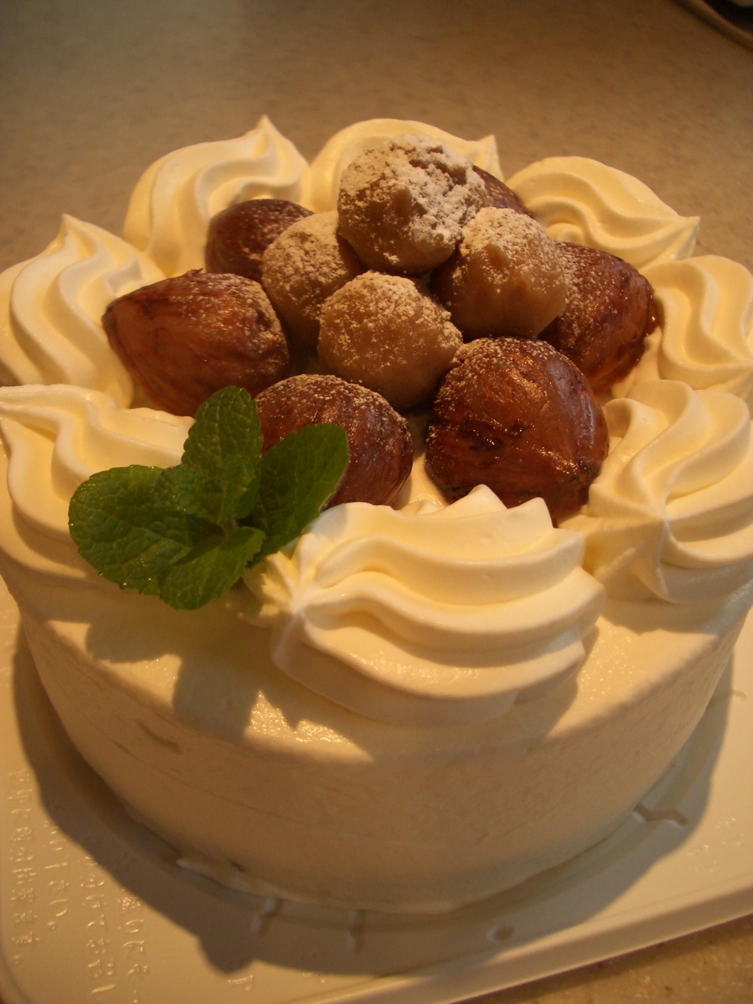 栗のデコレーションケーキ15センチホール¥3000