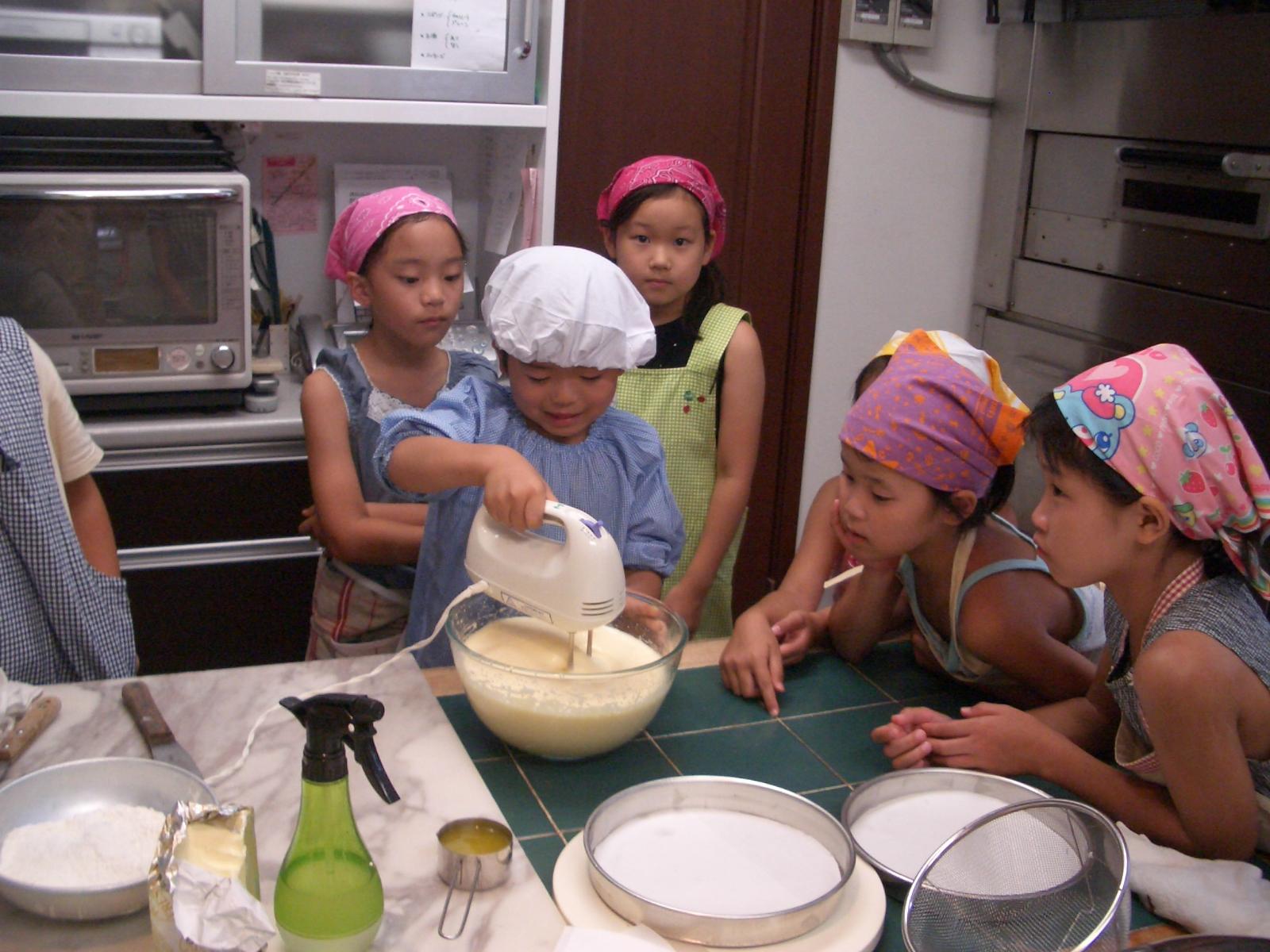 2008年7月28日(月)ちびっ子お菓子教室(スポンジケーキ作り)